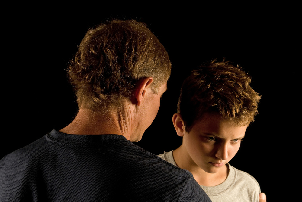 Father son talking_16249903_Subscription_L.jpg