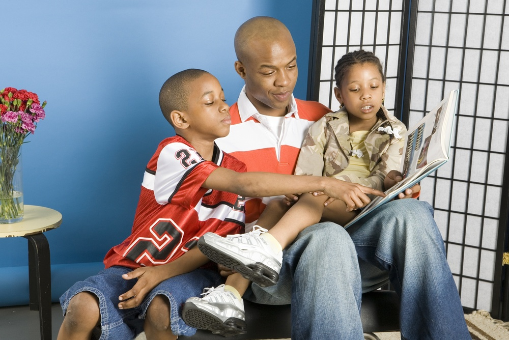 Father with kids_757990_Subscription_L.jpg