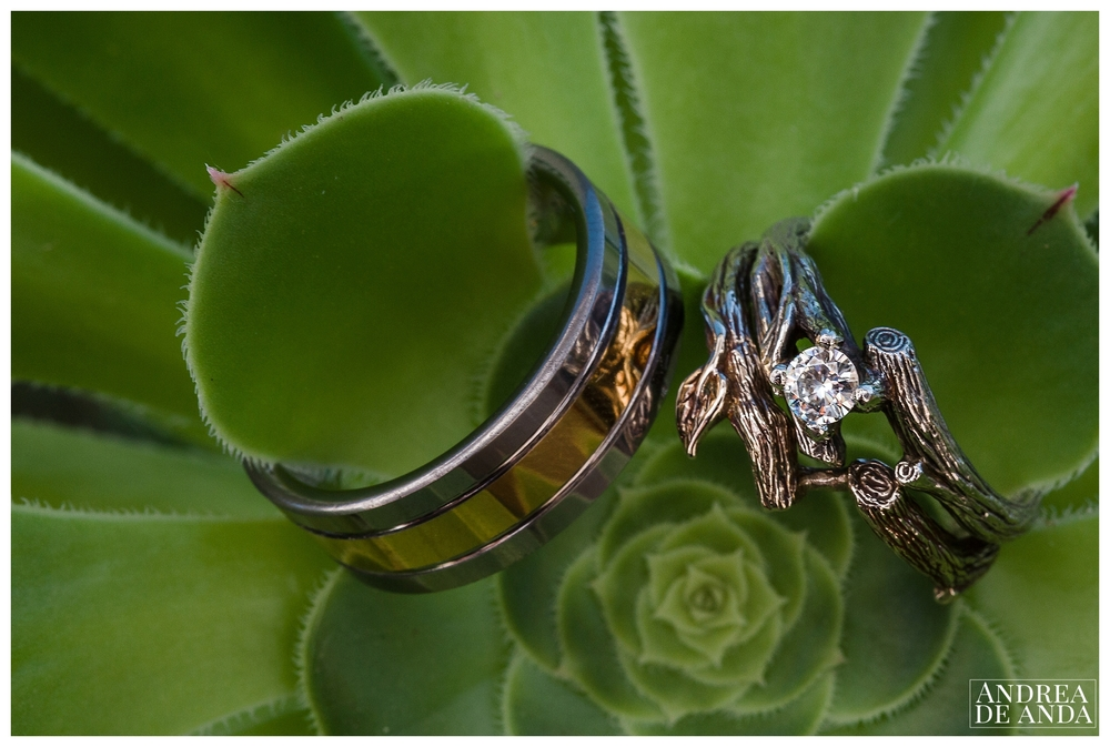 The engagement ring and wedding bands unique forest design are a perfect reflexion of the bride's free personality.