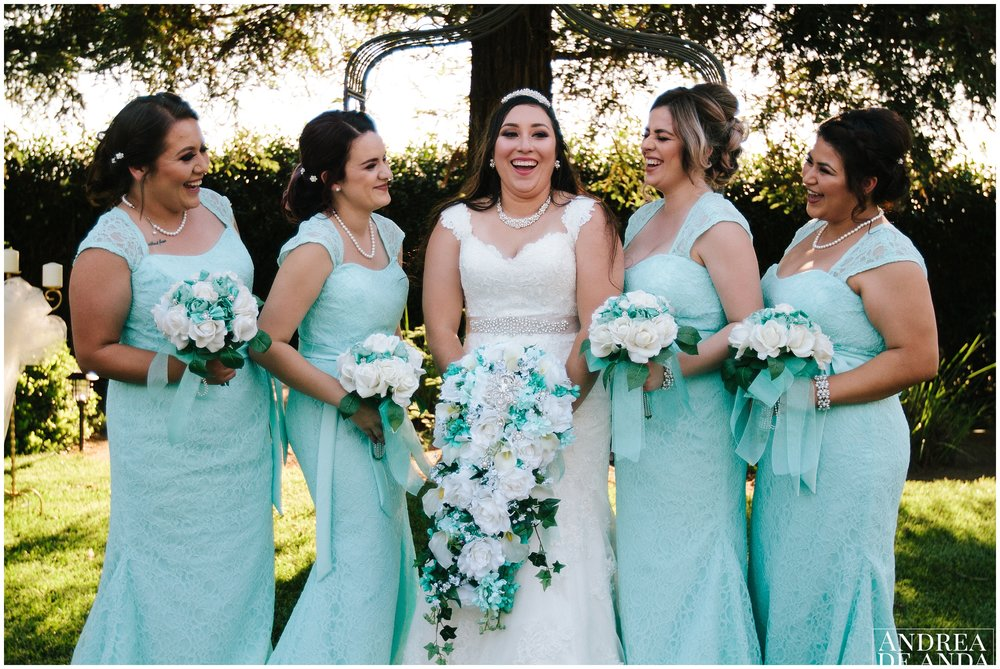 Bride and Bridesmaids photosession together