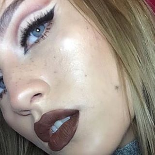Love this double stacked look with our Ava and Dalit lashwear by @darlingdeannn #makeupaddict #beauty #wispylashes #lashesfordays