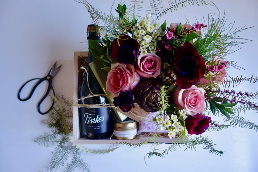 Blooms + Bubbly $185