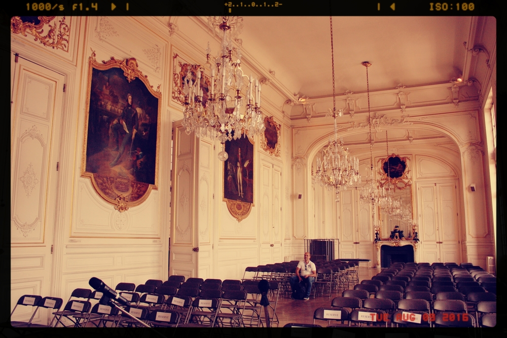 Calm before the storm, our final performance played to a packed audience in this fabulous room in the Versailles Town Hall.