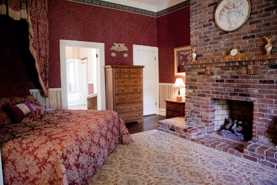 Legacy-Farms-Manor-Bed-Breakfast-Nashville-weddings.jpg
