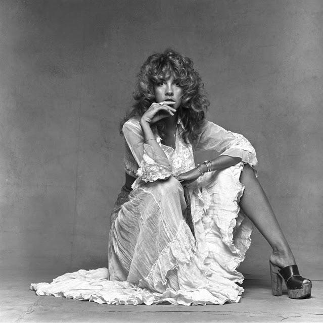Stevie-Nicks-Feet-201203.jpg