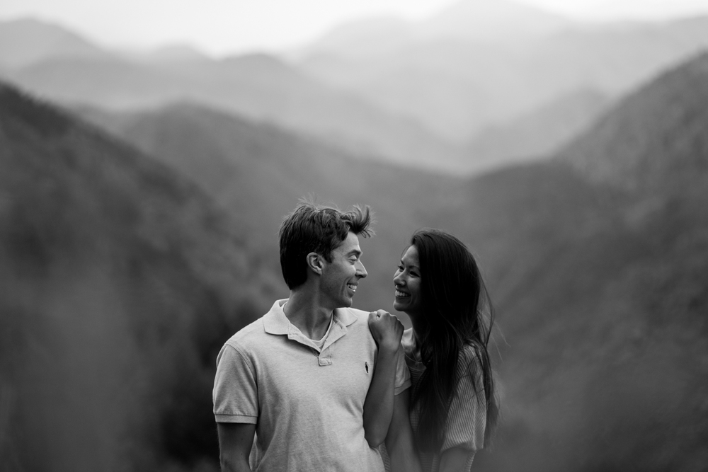 17-Evergreen-wildflower-engagement-photography-B&W.jpg