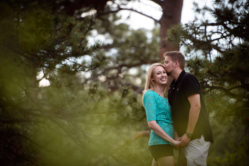 19-Estes-Park-summer-engagement-photography.jpg