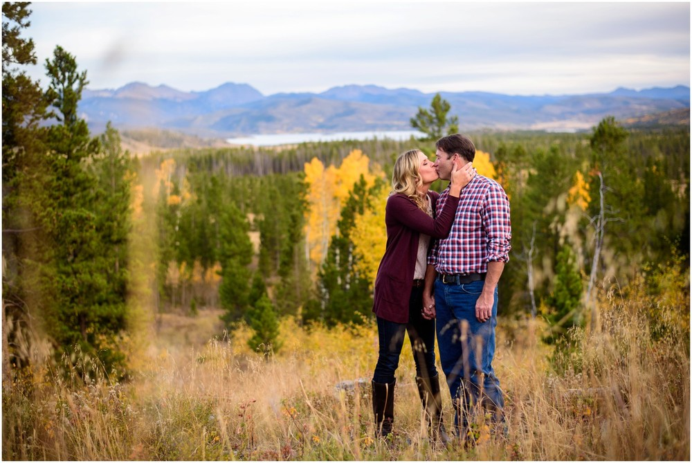 115-grand-lake-fall-engagement-photography.jpg