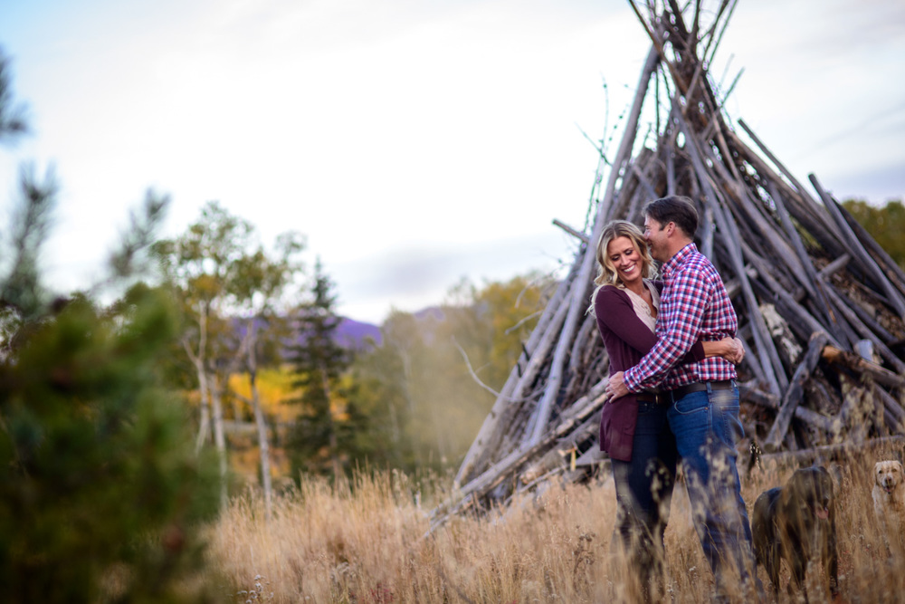 163-grand-lake-fall-engagement-photography.jpg