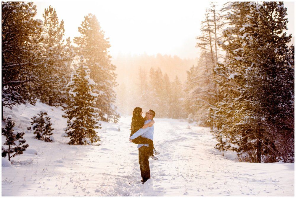 rocky-mountain-national-park-winter-sunrise-engagement-photography-_0102.jpg
