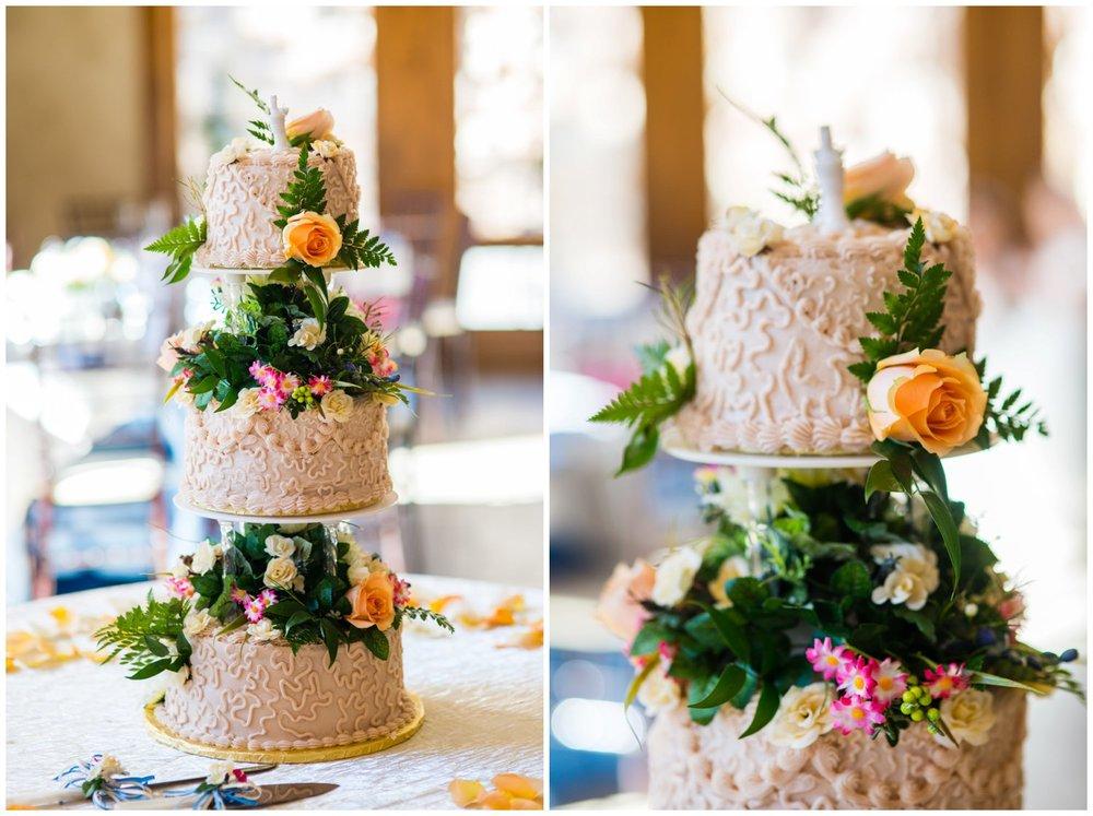 3 tier wedding cake Della Terra