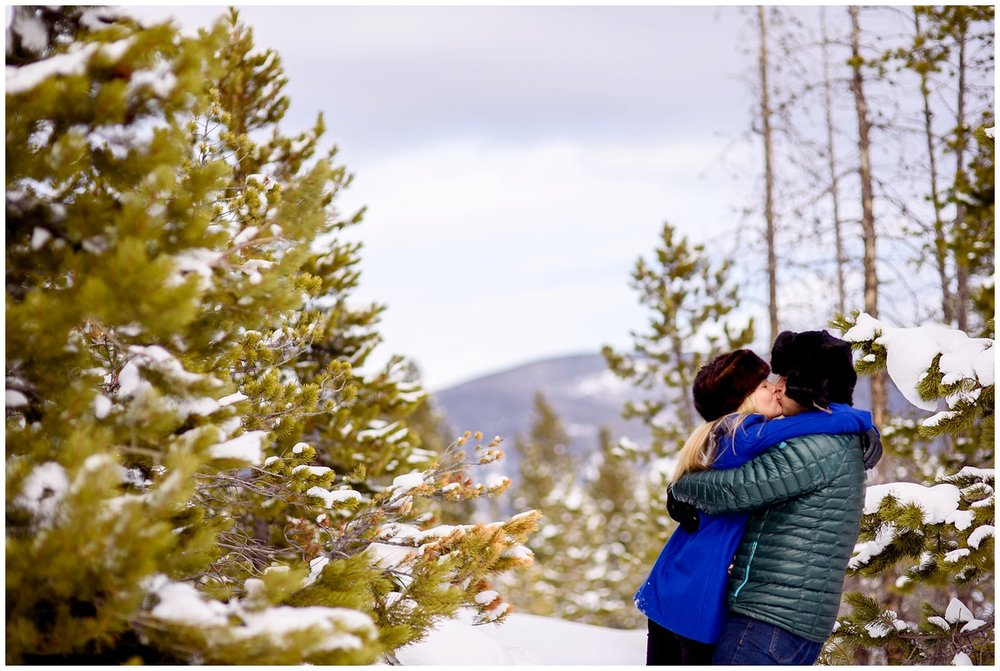 Breckenridge-Frisco-colorado-winter-engagement-photos_0019.jpg