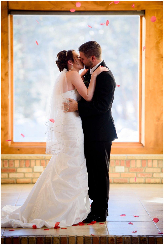 Della-terra-Colorado-winter-wedding-photography_0069.jpg