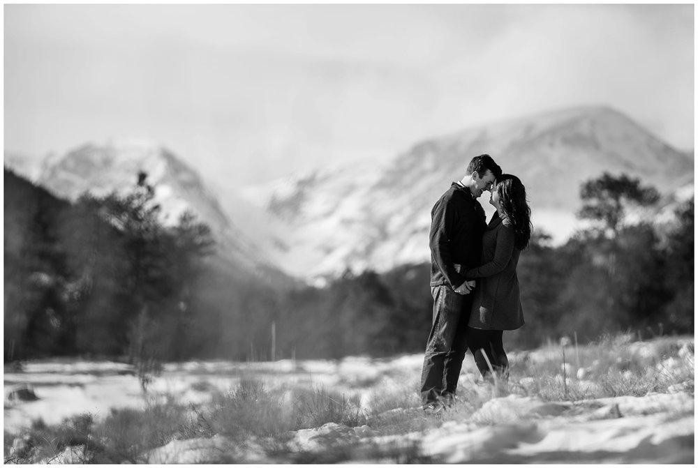 Rocky-mountain-national-park-winter-engagement_0005.jpg