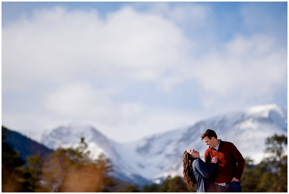 Rocky-mountain-national-park-winter-engagement_0010.jpg