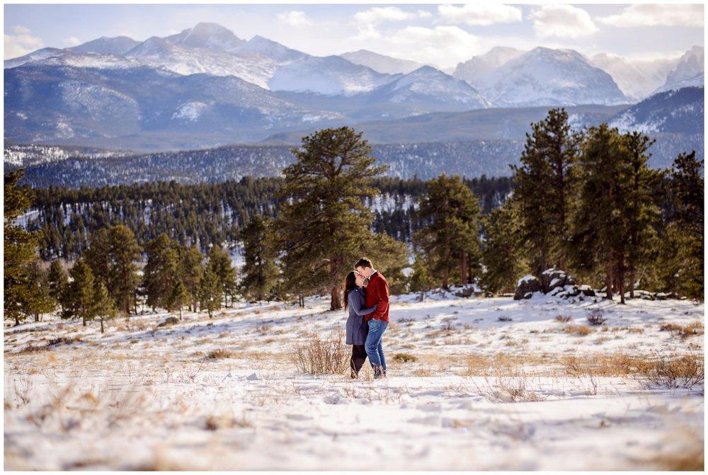 Rocky-mountain-national-park-winter-engagement_0014.jpg