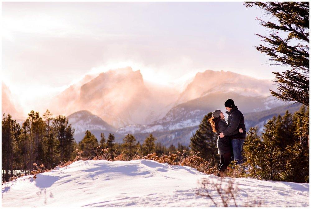 Rocky-mountain-national-park-winter-engagement_0024.jpg