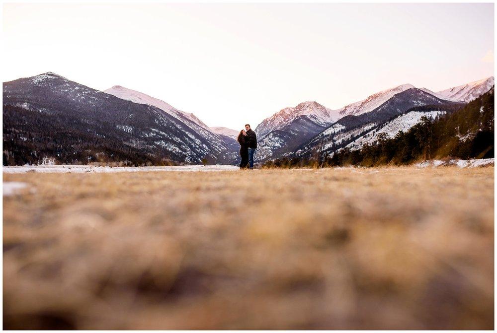 Rocky-mountain-national-park-winter-engagement_0045.jpg