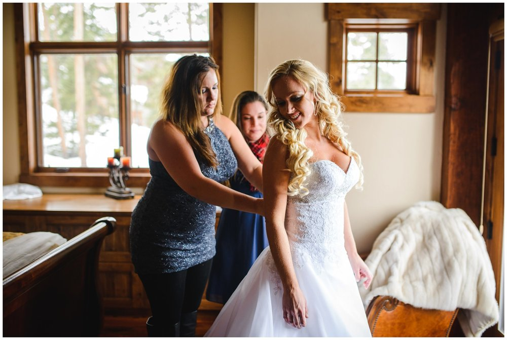 Bride gets ready for Sapphire Point Colorado wedding