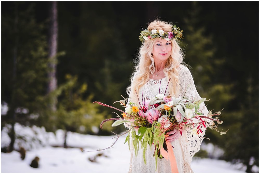 Evergreen-colorado-winter-boho-lesbian-wedding_0049.jpg