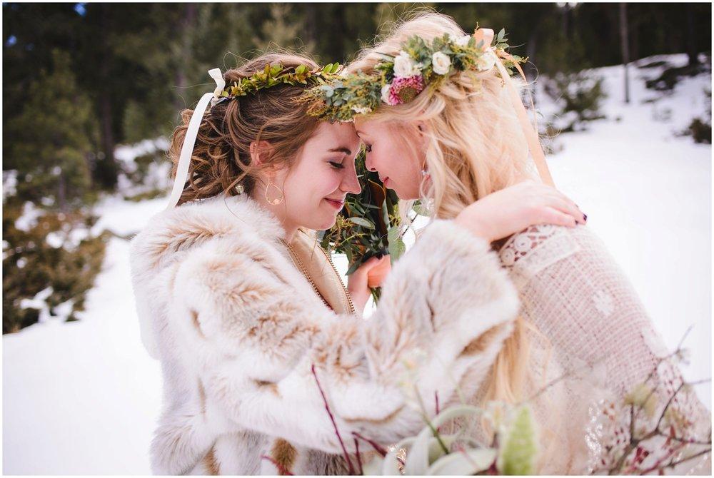 Evergreen-colorado-winter-boho-lesbian-wedding_0054.jpg