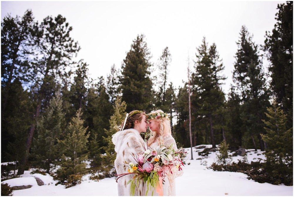 Evergreen-colorado-winter-boho-lesbian-wedding_0056.jpg