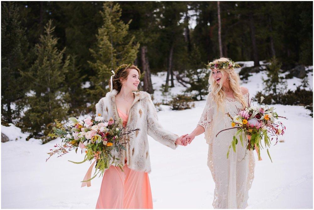 Evergreen-colorado-winter-boho-lesbian-wedding_0058.jpg