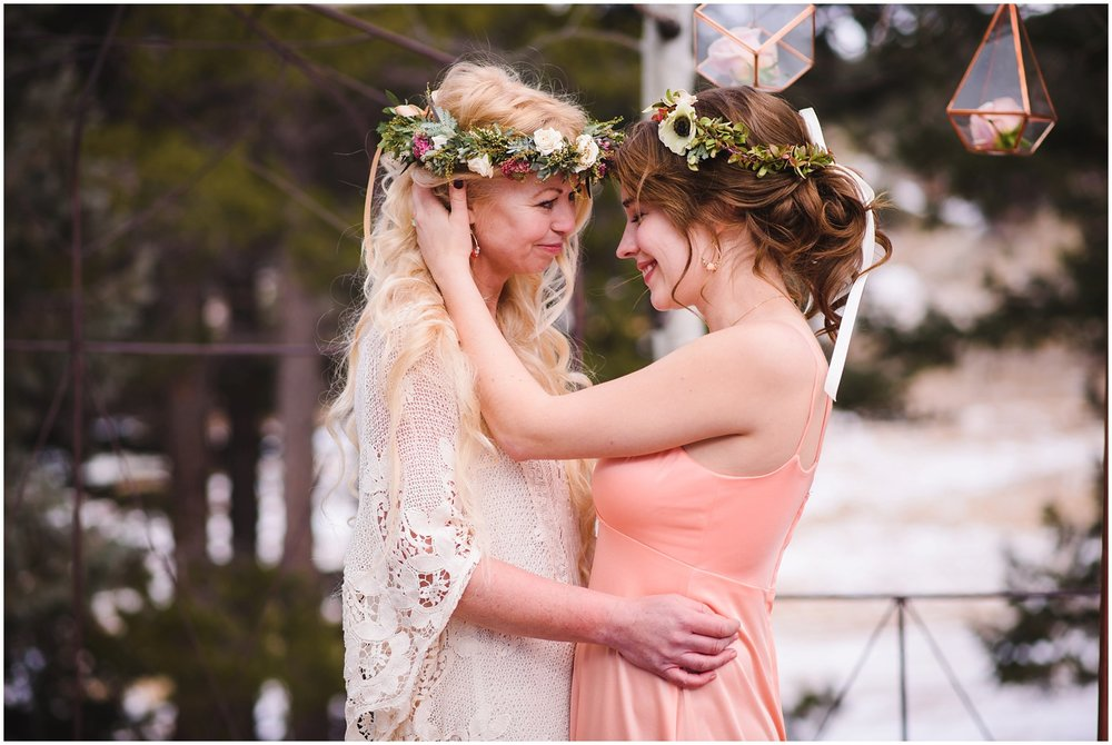 Evergreen-colorado-winter-boho-lesbian-wedding_0074.jpg
