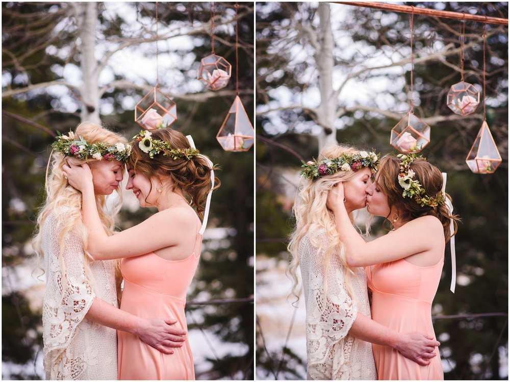 Evergreen-colorado-winter-boho-lesbian-wedding_0076.jpg