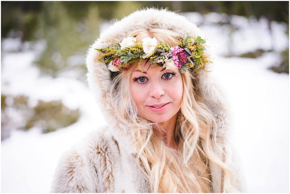 Evergreen-colorado-winter-boho-lesbian-wedding_0078.jpg