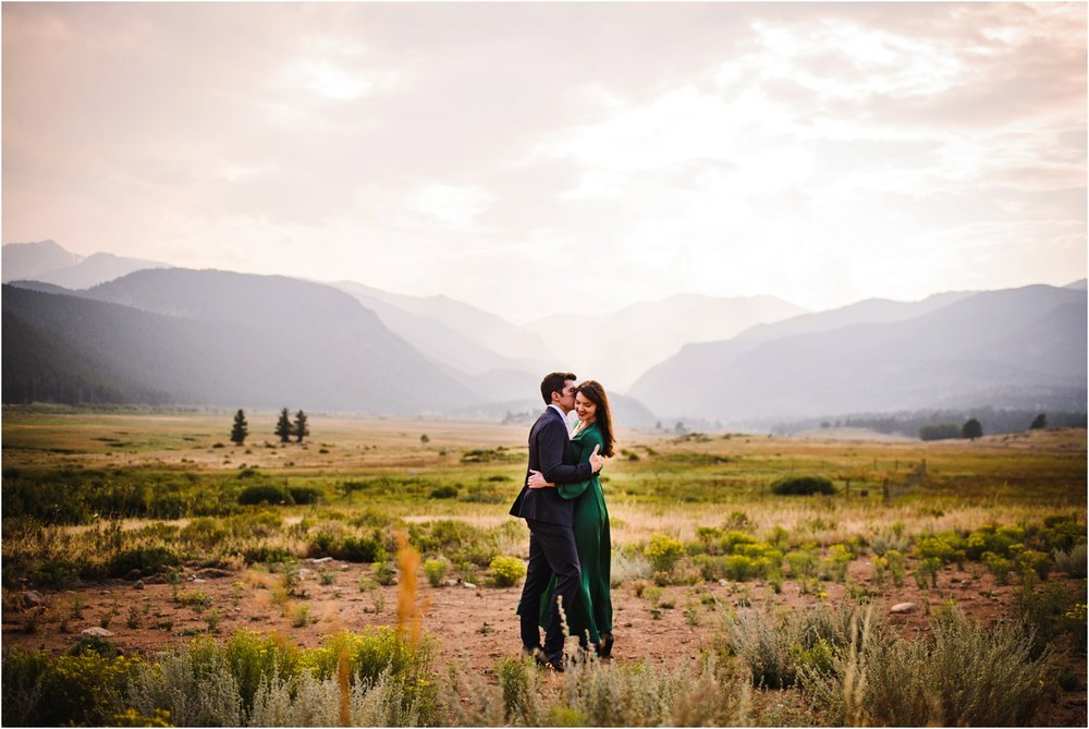 Rocky-mountain-national-Park-engagement-photography_0012.jpg