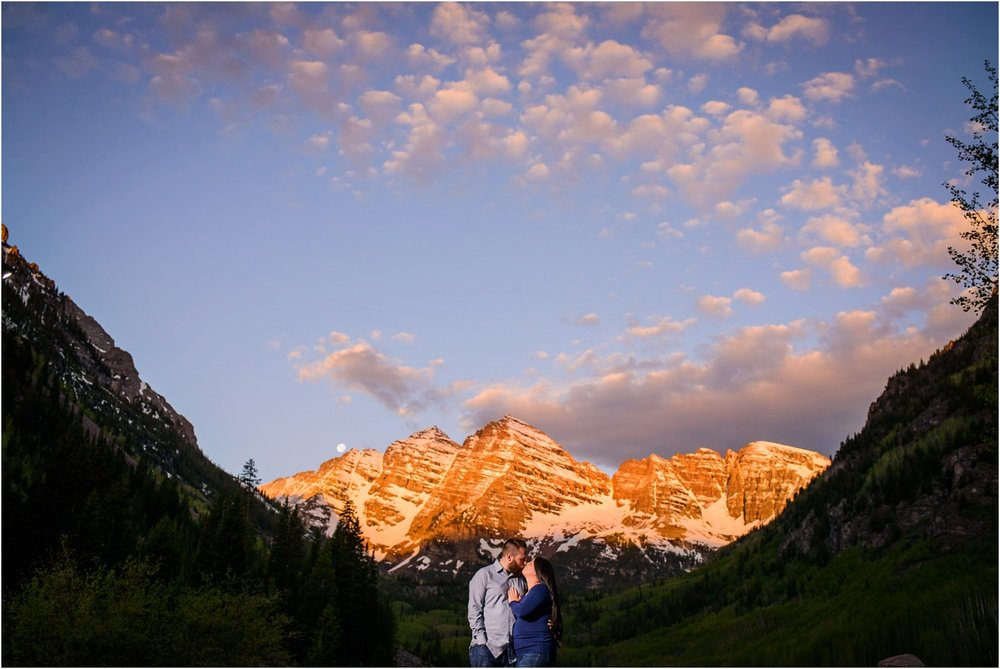 Maroon Bells Engagement photo at sunrise