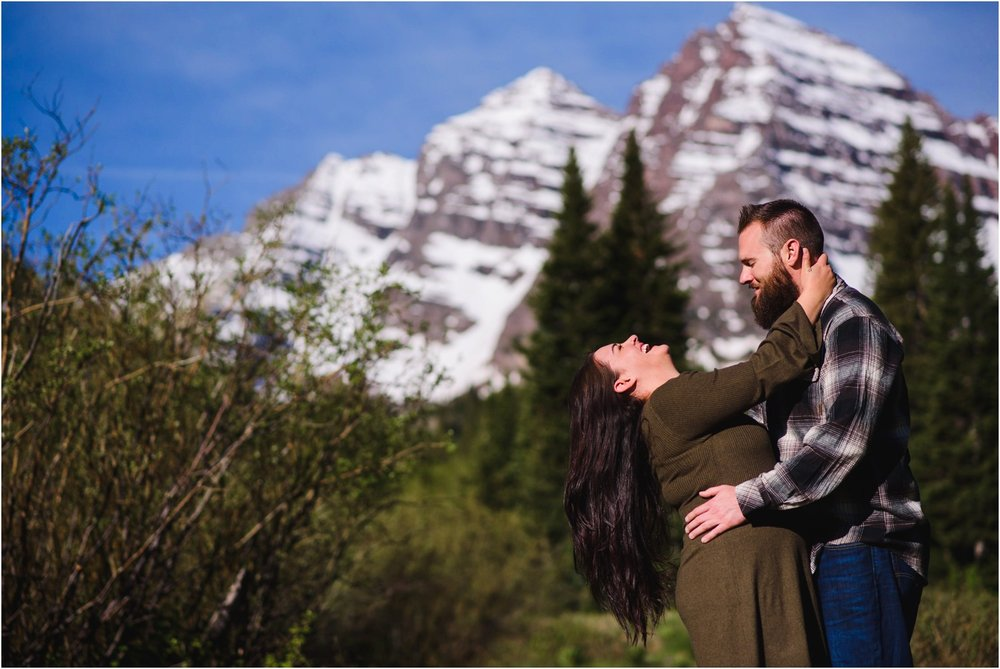 MAroon-Bells-Spring-Sunrise-engagement-photography_0025.jpg