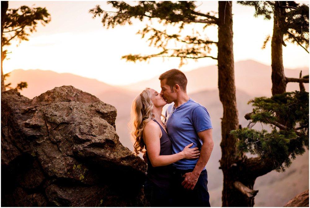 128-lookout-mountain-Golden-sunset-engagement-photography.jpg