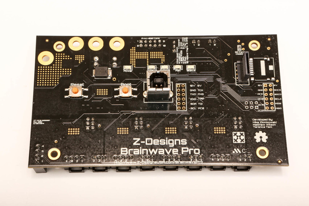 Back side of the board. Note the vertical SD card reader.