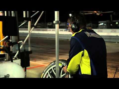 One-Take Porsche Pit-Stop - /DRIVE MOMENT