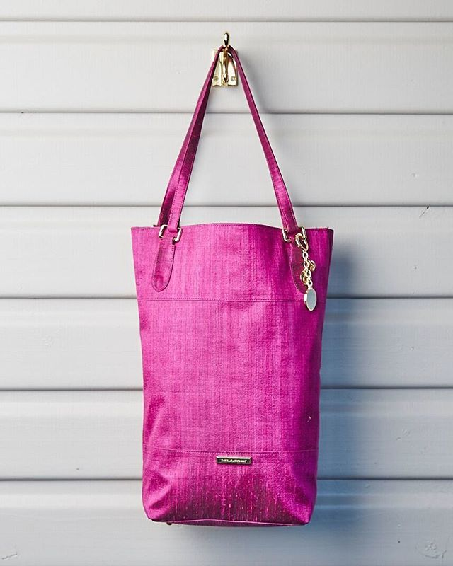 The Souq Bucket Bag in Fuchsia Pink | Get organised for Christmas with this unique handmade gift for that special someone. Handwoven using organic raw silk.  Shop now for shipping in time for Christmas | via link in bio