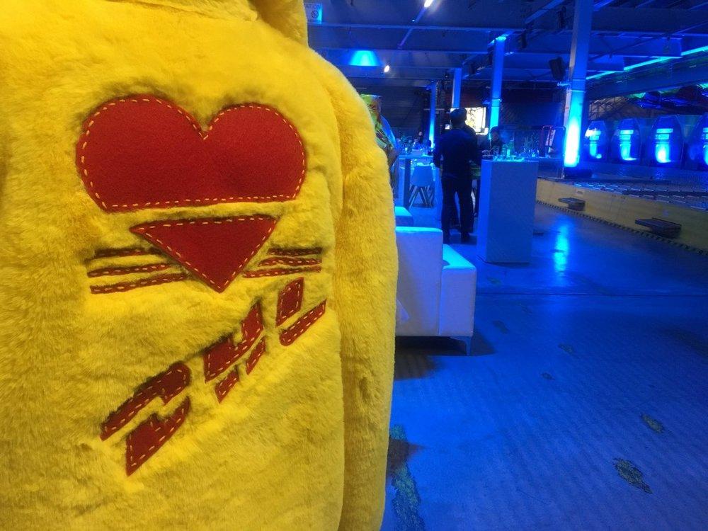 DHL-jacket.jpg