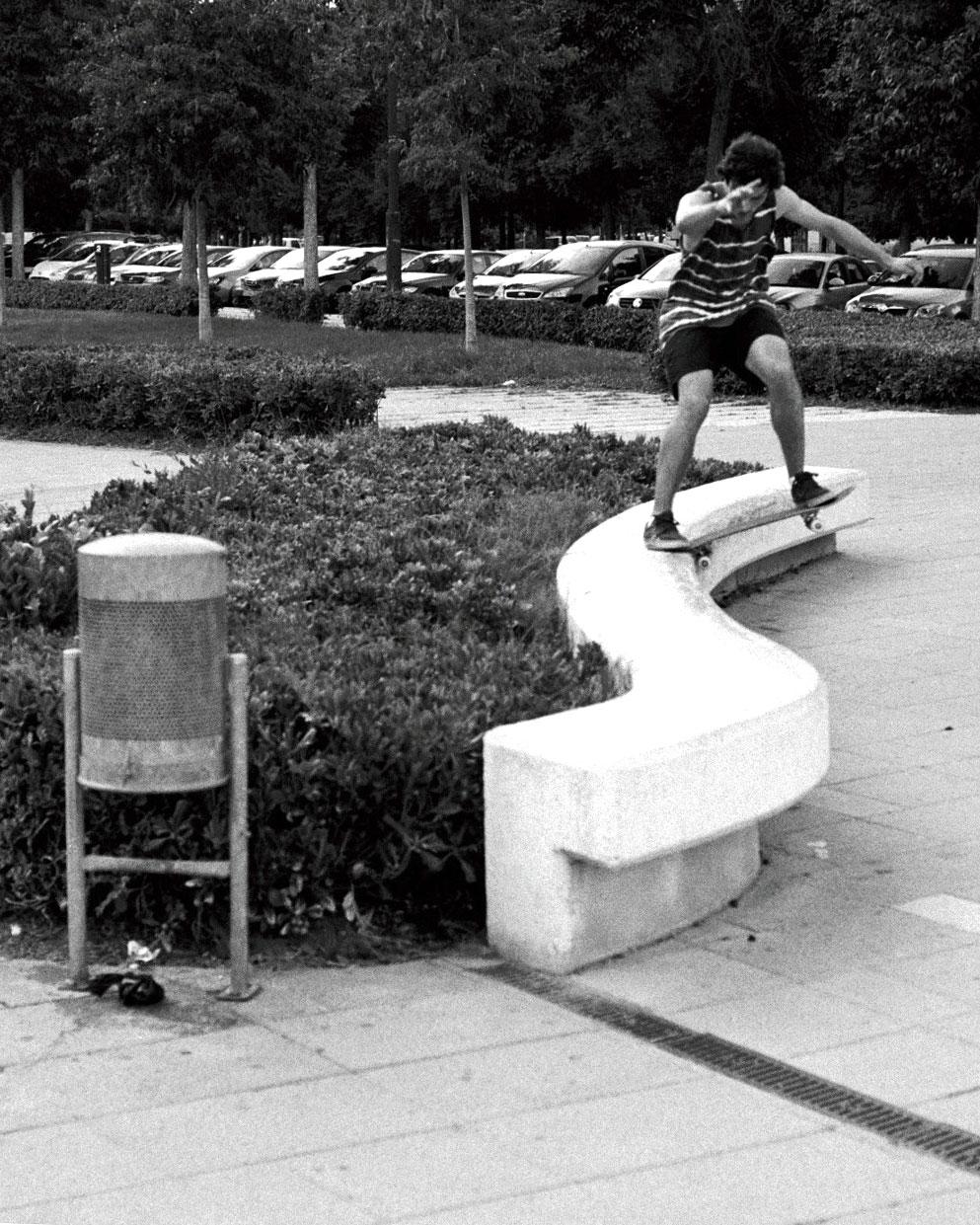 Darby Gough - noseslide 270