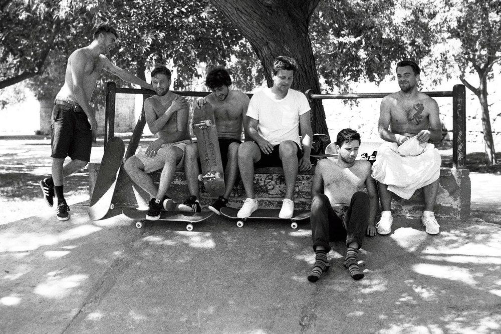 Crew-skateboarding-valencia.jpg.jpg
