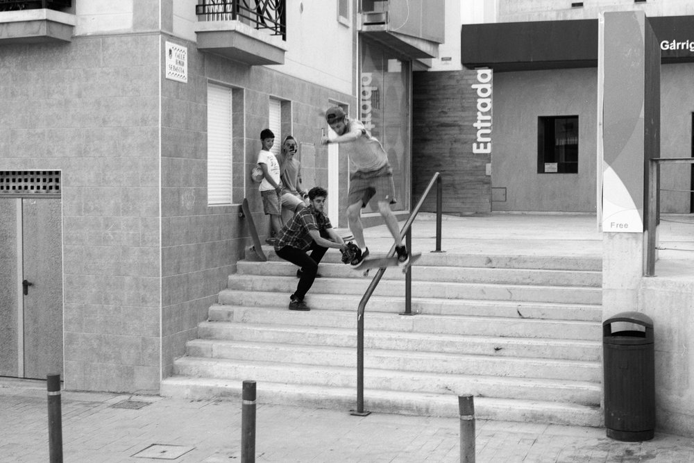 george-skateboarding-alicante.jpg