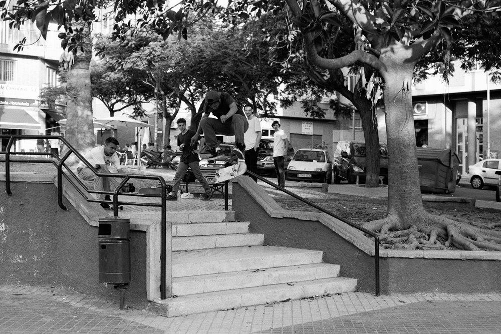 george-skateboarding-alicante-2.jpg