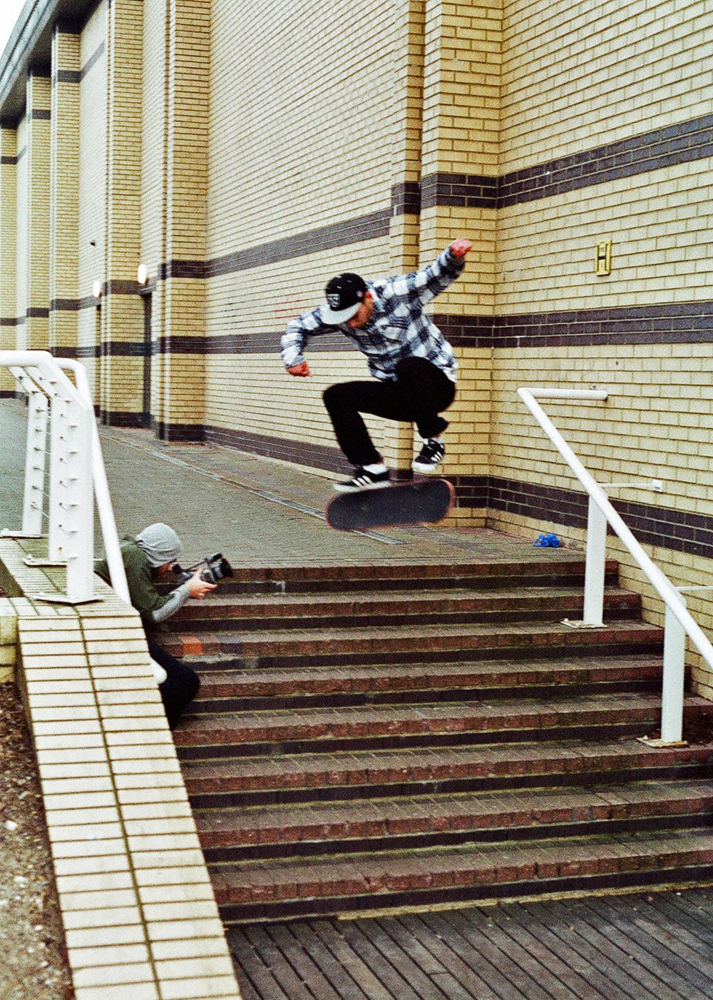 will-thomson-kickflip.jpg