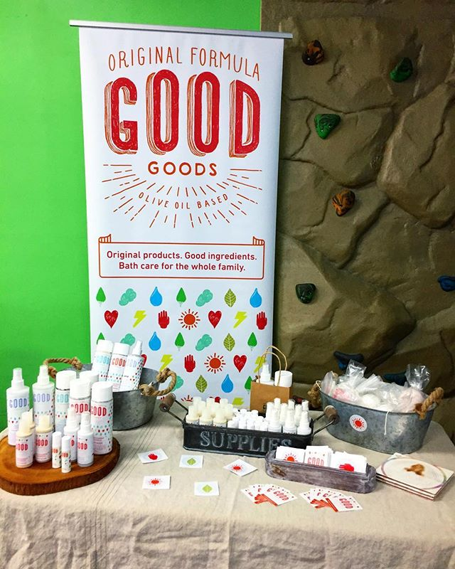 All set up at the #WomensEmpowerment Boutique!! Come to @mygymsamo from 3-6 pm 😊 FREE food, drinks, and over 25 women run local businesses to shop from ✨🙌 #originalgoodgoods #skincare #popupshop #veganlifestyle #santamonica #freefun #supportwomen #lotion #etsy #etsyshop #mompreneur #happykids #family #lavender #bathwash #lipbalm #bathbomb