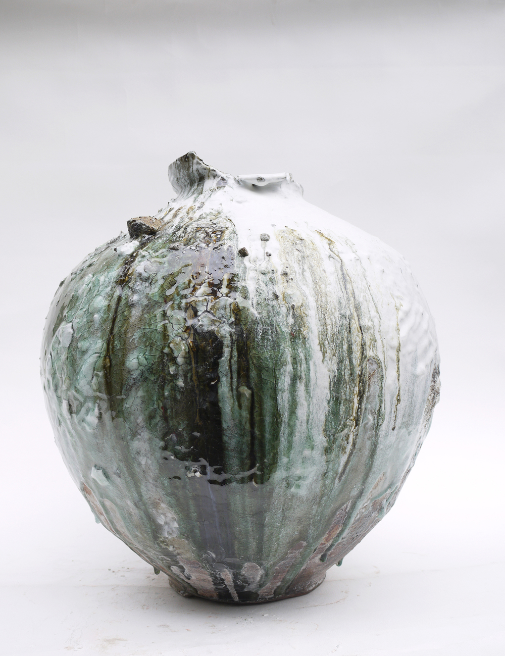 Akiko Hirai - London based Japanese artist specialising in wheel thrown ceramics