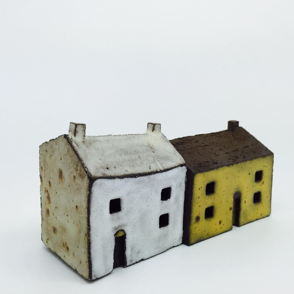 Pauline Montgomery - Scottish based ceramicist specialising in slab built houses
