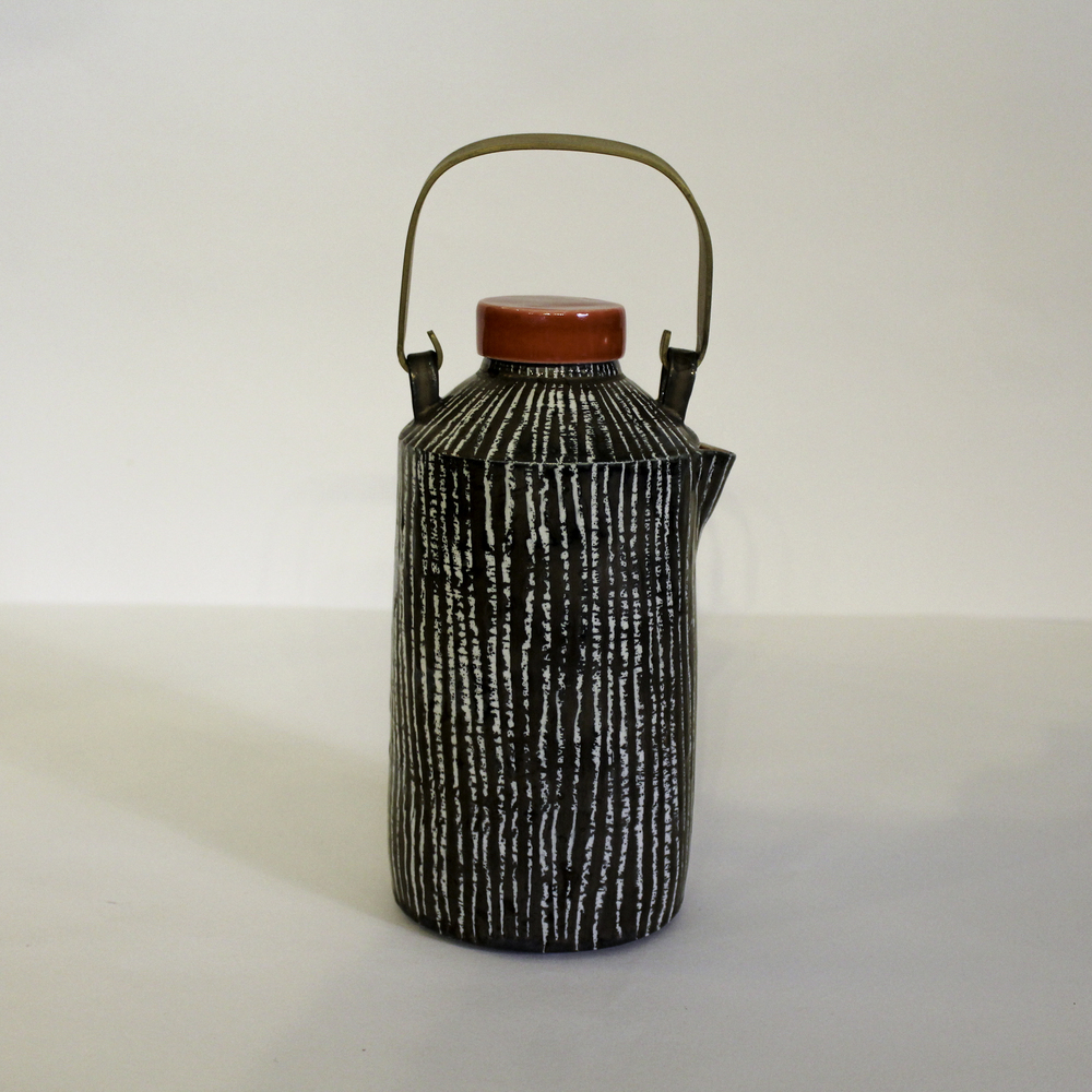 kk55.1 tall teapot.jpg