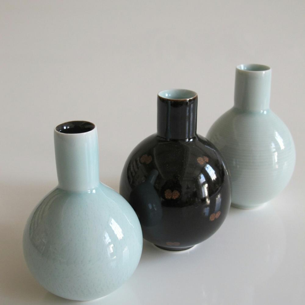 Globe Pots