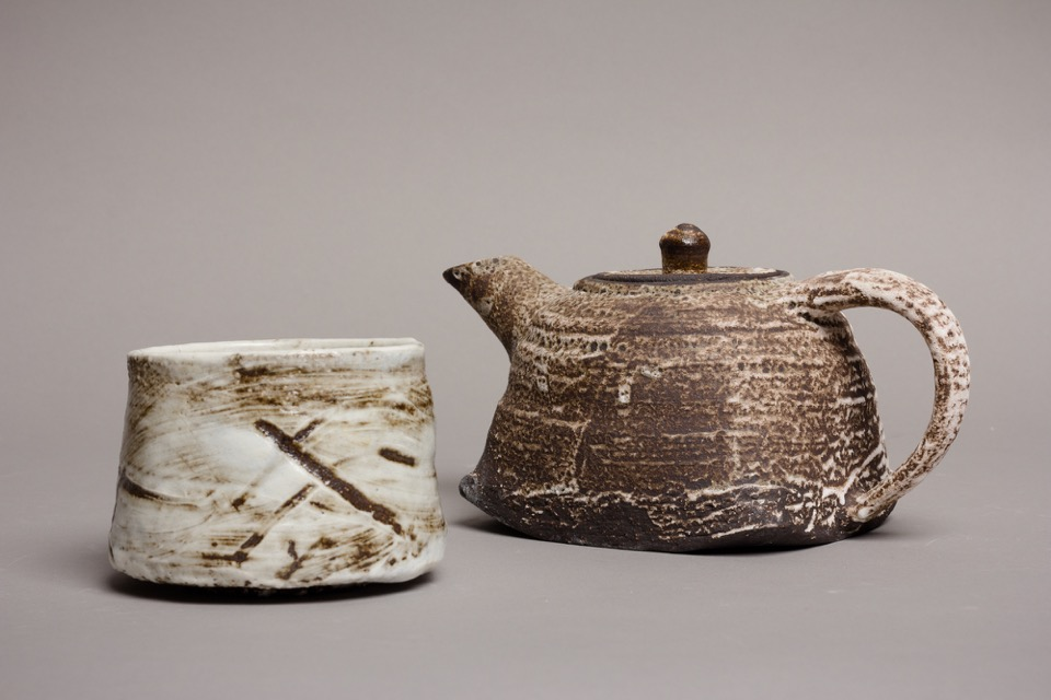 33 MT teapot 2 and small teabowl.jpg
