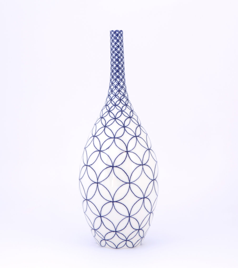 2 Rhian Malin Ceramics Double ring bottle, H-30cm, Photo by Lucy Barriball 2.jpg